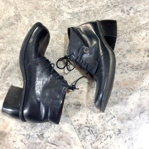 💚 Nine West Navy Leather lace-up Ankle Boots 9M